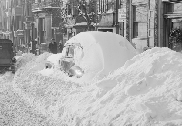 Snow covered Car - Leslie Jones 1886-1967. Boston Public Library.